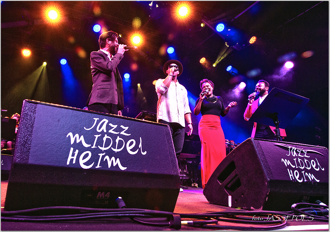 Jazz loves Disney (vlnr. Hugh Coltman,Ben l'Oncle Soul, China Moses, Myles Sanko) © JASSEPOES